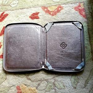 BNWOT Stella & Dot iPad Cover Case